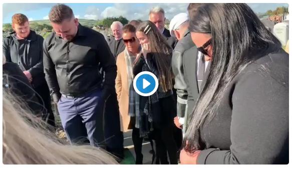 Blague à son propre enterrement en Irlande «LAISSEZ-MOI SORTIR»